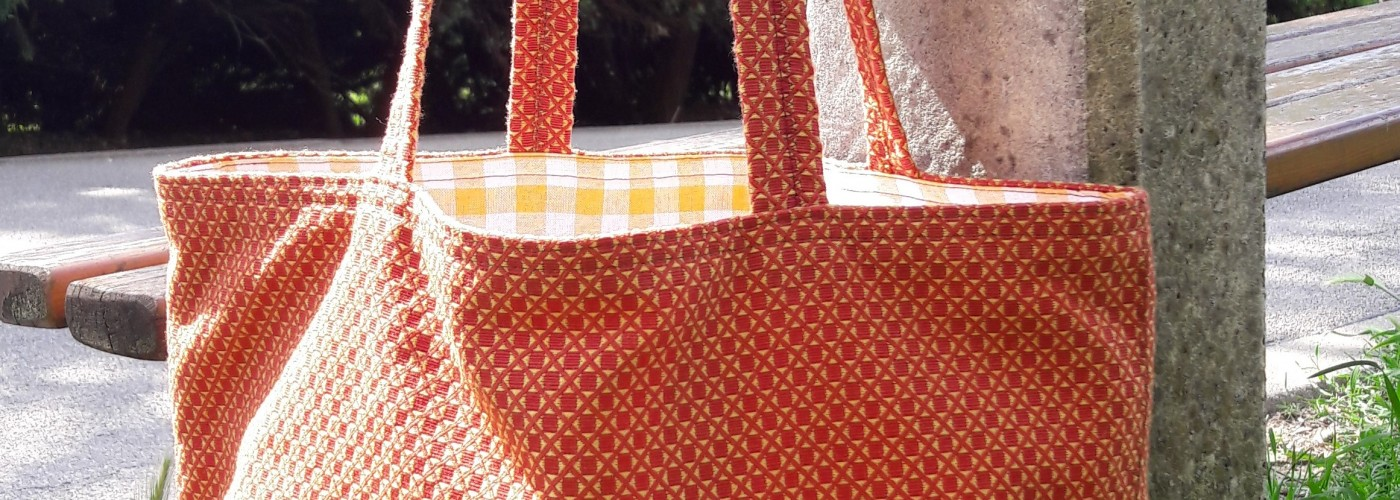 Farbenkräftige Tasche